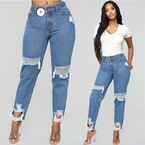 NWT FASHION NOVA Medium Rhinestone Boyfriend Jeans